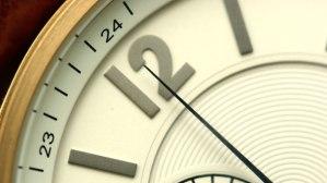 li-12-clock-istock